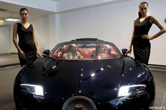 October 28, 2010-Bugatti-Veyron.jpg