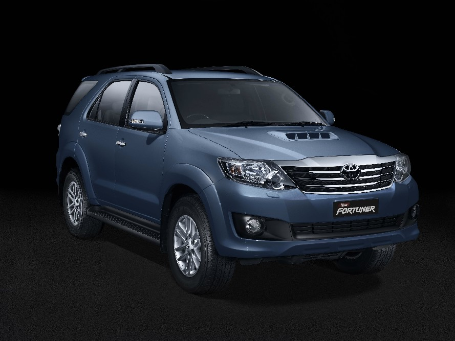 Expo: Toyota launches the new Innova and Fortuner, announces Etios Cup
