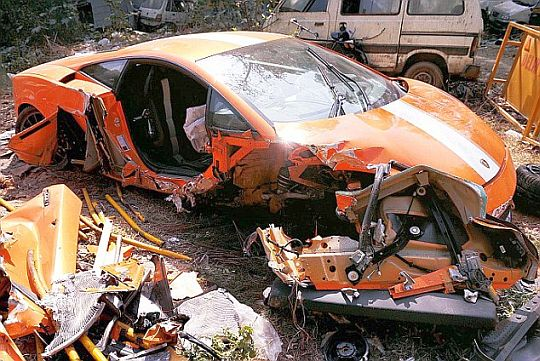 Lamborghini Gallardo fatal supercar crash1 Sports cars companies in India stress on good driving skills