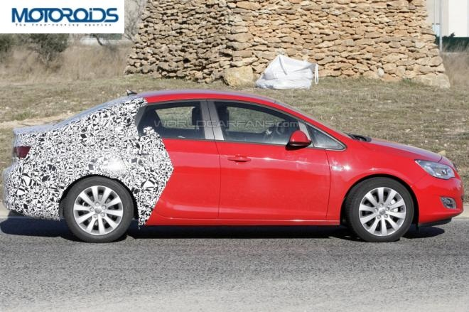 opelastra SPIED: New Opel Astra sedan!