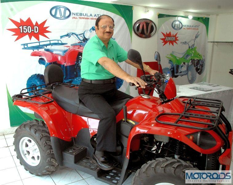 1.-Mr-Sukhdev-Asnani-MD-Nebula-Automotive-with-the-Jaguar-500