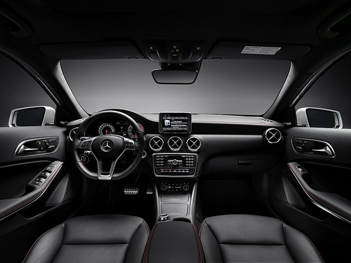 2013-Audi-A3-10 12 14