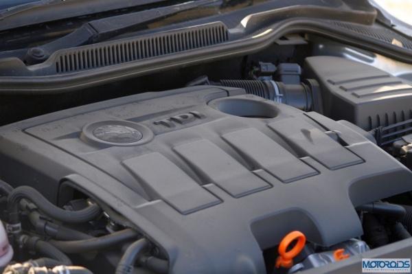 MG2493 motoroids-pramotion-728 resizedimage600399-Skoda-Rapid-1.6-TDI-Elegance-5 resizedimage600399-Skoda-Rapid-1.6-TDI-Elegance-16