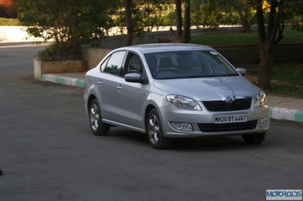MG2493 motoroids-pramotion-728 resizedimage600399-Skoda-Rapid-1.6-TDI-Elegance-5 resizedimage600399-Skoda-Rapid-1.6-TDI-Elegance-16 resizedimage600399-Skoda-Rapid-1.6-TDI-Elegance-19