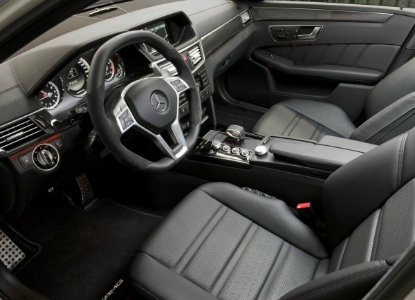 Mercedes-Benz-E63-AMG-8 resizedimage600398-Mercedes-Benz-E63-AMG-3 resizedimage600399-Mercedes-Benz-E63-AMG-5 resizedimage600434-Mercedes-Benz-E63-AMG-7