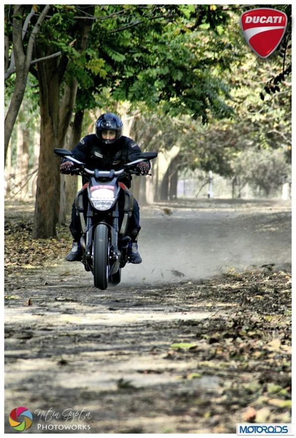 Ducati-Diavel-2 resizedimage600404-Ducati-Diavel-4 resizedimage600886-Ducati-Diavel-1
