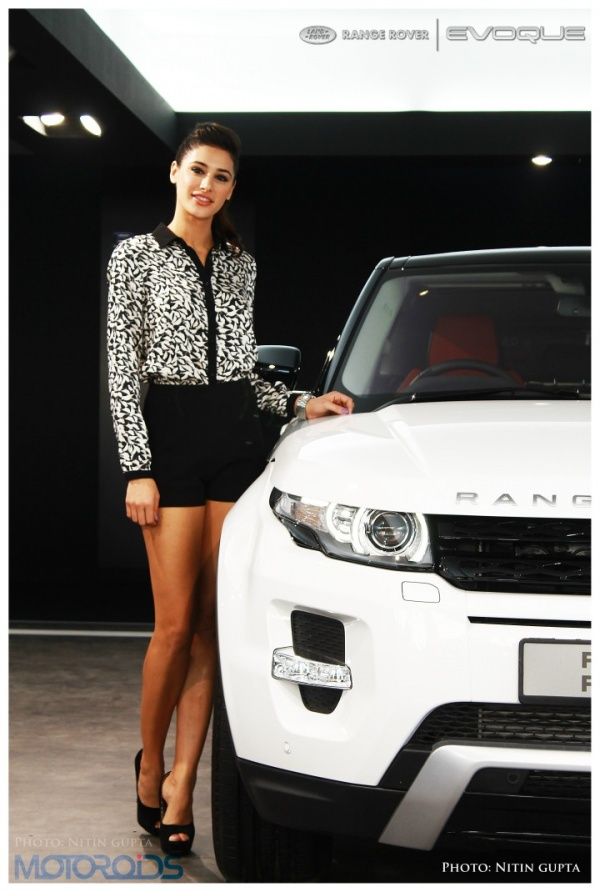 April 23, 2012-SetWidth600-Nargis-Fakhri-evoque-5.jpg