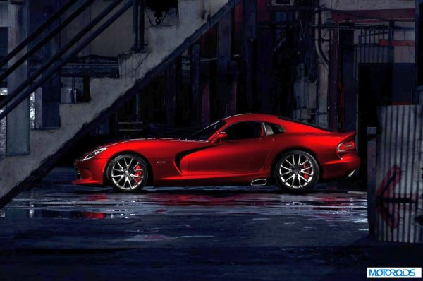resizedimage600398 2013 SRT Viper 2 2013 SRT Viper, the Snake is back with even more venom!