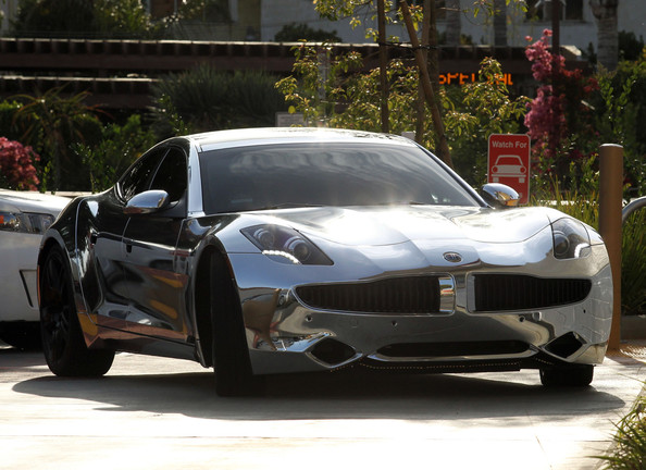 justin bieber fisker karma chrome Justin Bieber gets himself a Fisker Karma. Gives it an all chrome paint job