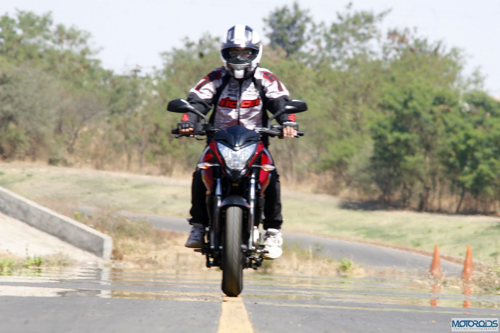Bajaj Pulsar 200NS to be launched next week. The wait is soon going to be over!!