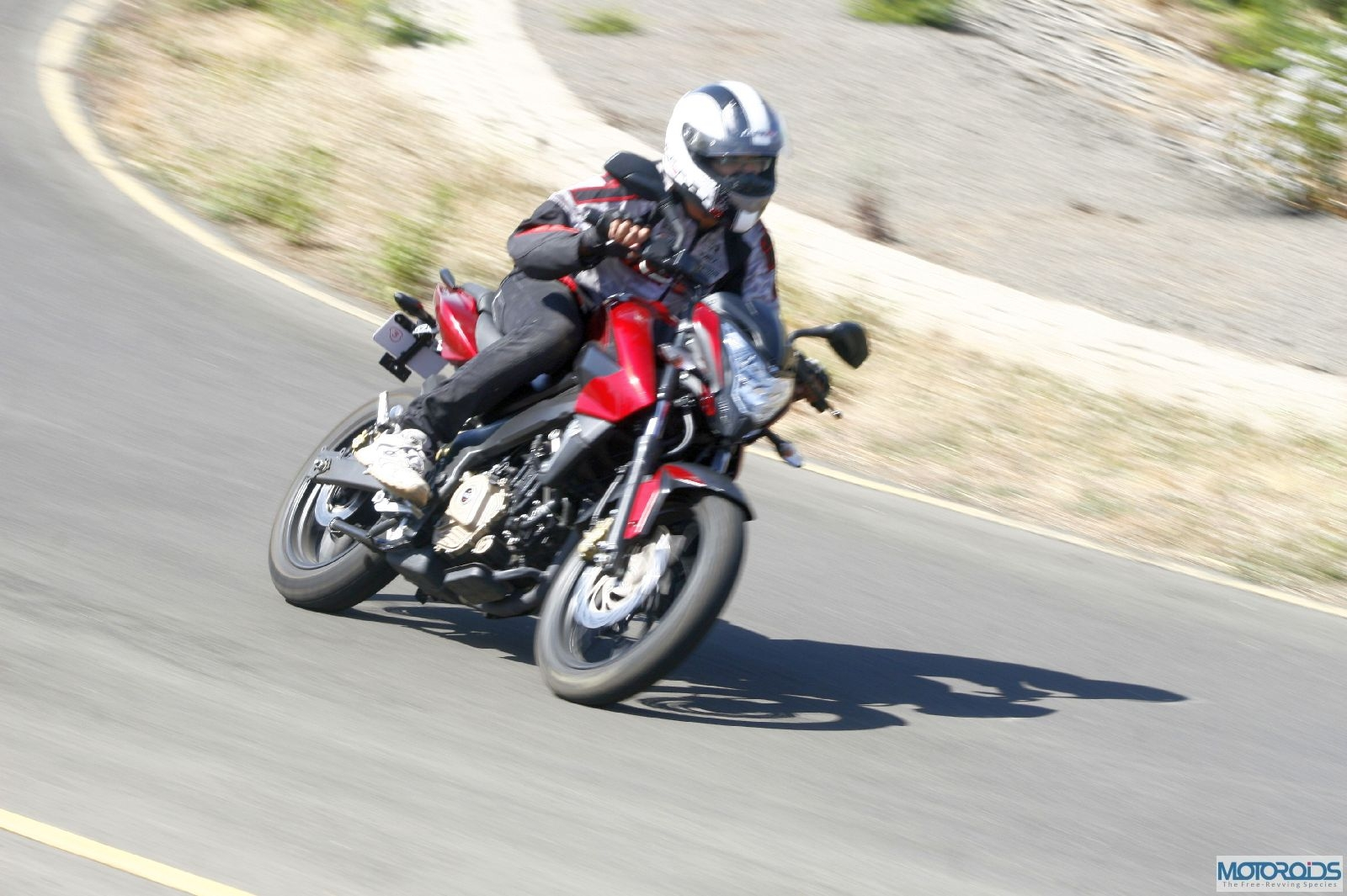 Bajaj Pulsar 200NS to be launched on 14 May