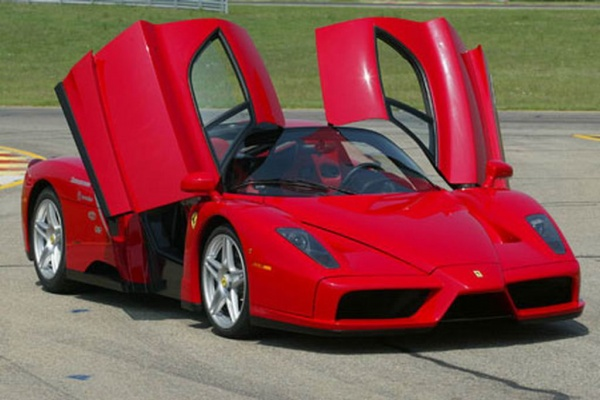 Ferrari to unveil the Enzo successor by end of 2012