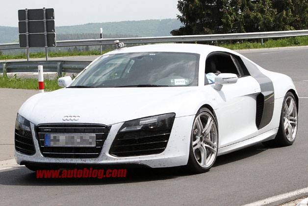SPIED: 2015 Audi R8