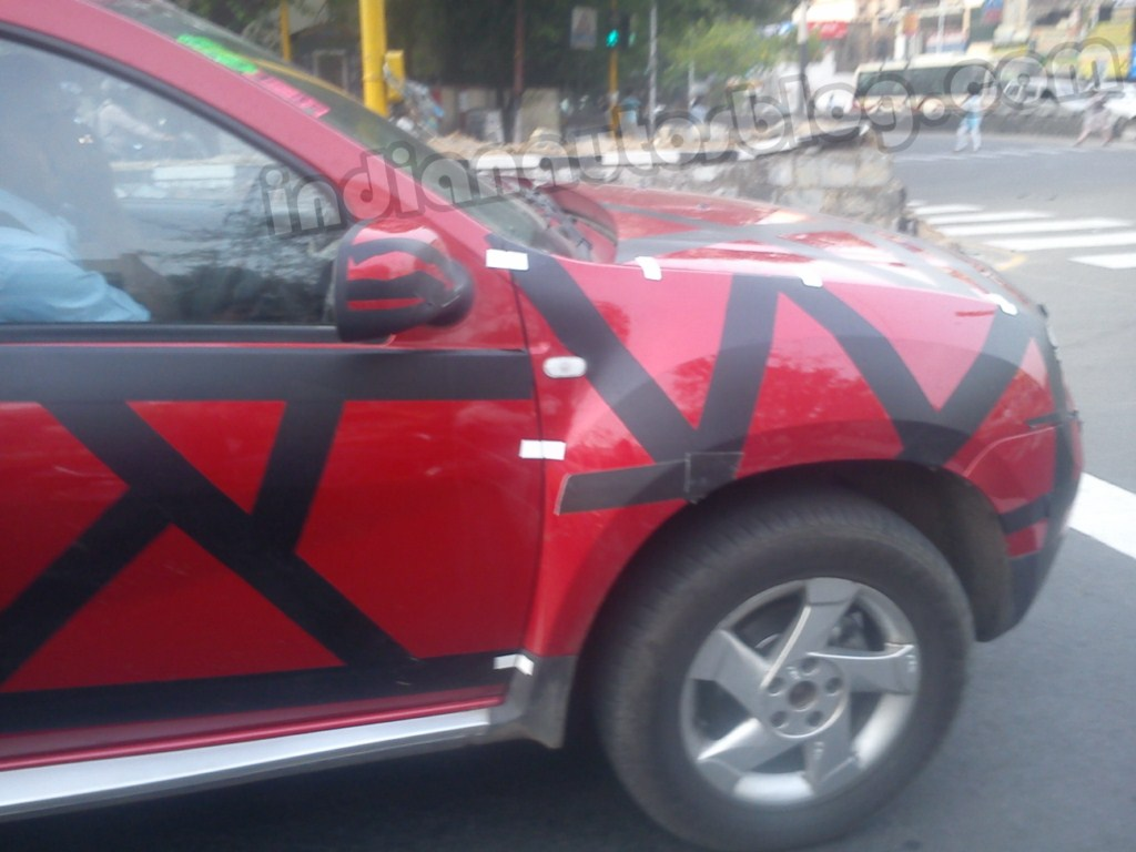 SPIED: Much awaited Renault Duster caught testing in Chennai