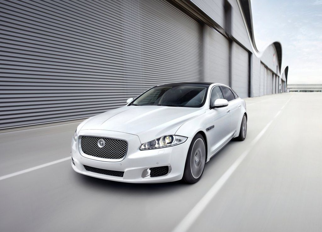Jaguar to introduce the XJ Ultimate luxury saloon in India next year