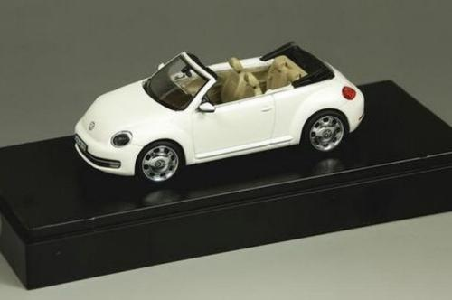 August 22, 2012-2013-beetle-convertible-2.jpg
