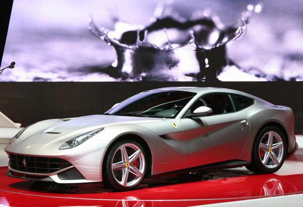 Ferrari F12berlinetta Bags the 2012 Auto Bild Design Award