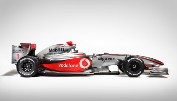 Vodafone speeds up India with its first street racing experience
