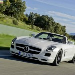 Mercedes-Benz SLS AMG Roadster official pics and video