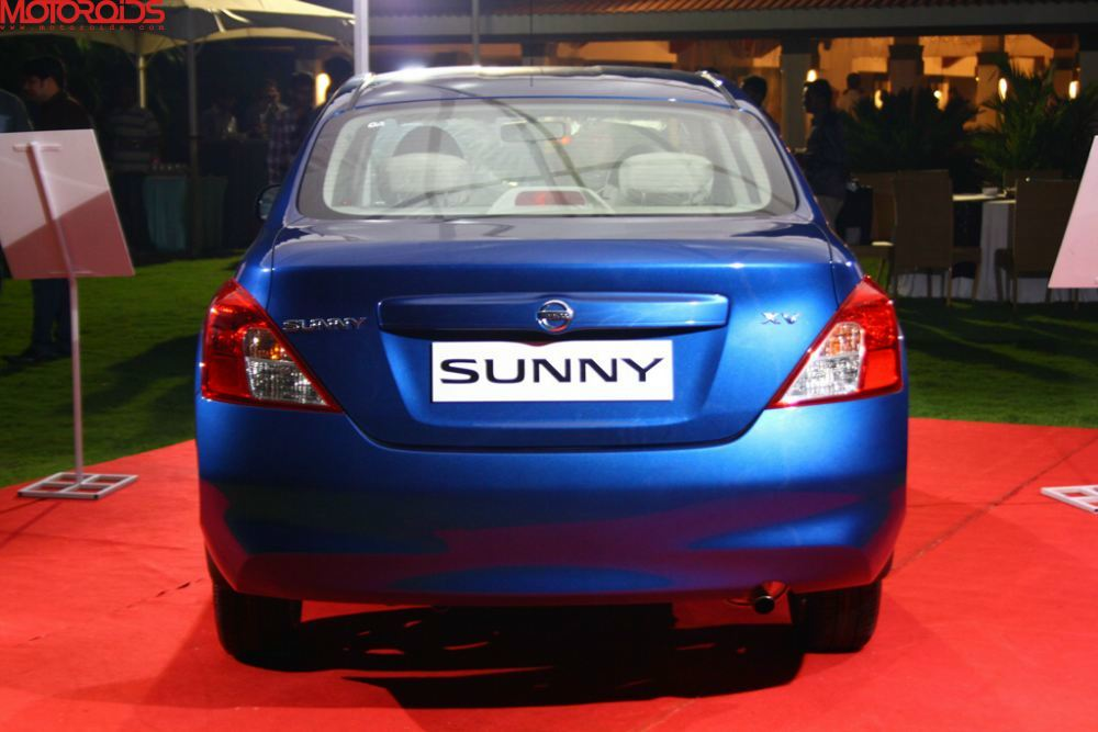 NIssan Sunny, Suuny sedan India (17)