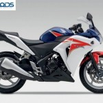 Honda CBR 250R gets Pearl Heron Blue triple tone color. Dearer by Rs.1000