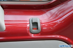 Mahindra Quanto window lock