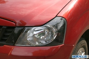 Mahindra Quanto headlight