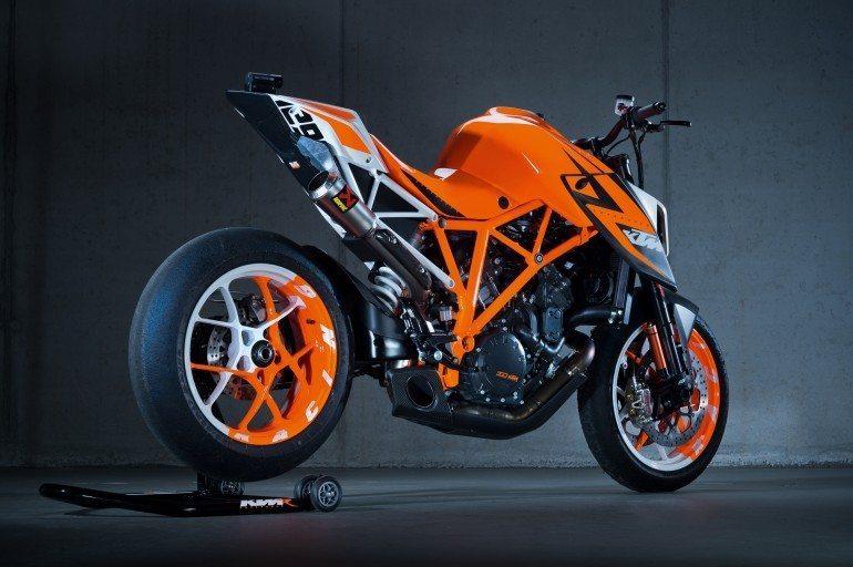 KTM-1290-Super-Duke-2 motoroids-pramotion-728 KTM-1290-Super-Duke-1