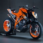 KTM 1290 Super Duke R: Video, images, Specs and Other Details