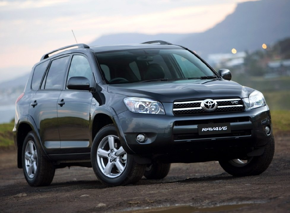 Toyota poised to become World's biggest car manufacturer in 2012