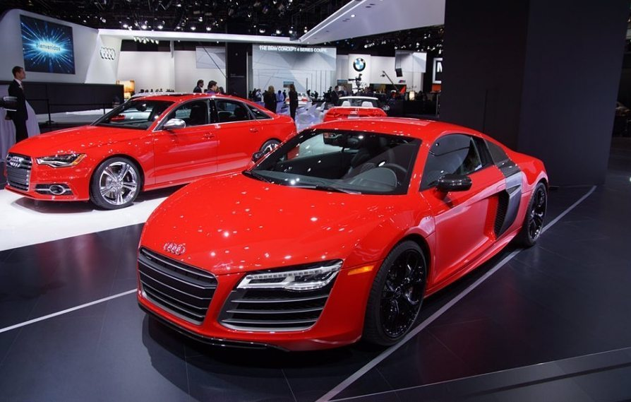 Facelifted Audi R8 showcased at NAIAS 2013
