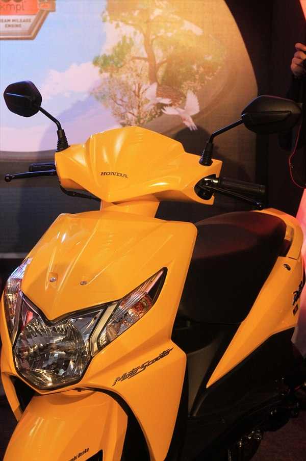 Honda-Activa-Aviator-Dio-fitted-with-HET-technology-5 Honda-Activa-Aviator-Dio-fitted-with-HET-technology-9 Honda-Activa-Aviator-Dio-fitted-with-HET-technology-3 Honda-Activa-Aviator-Dio-fitted-with-HET-technology-8