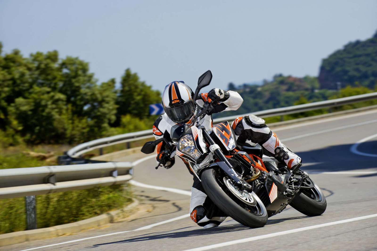 KTM-390-Duke-Kawasaki-Ninja-300-India-Launch motoroids-pramotion-728 KTM-Duke-390