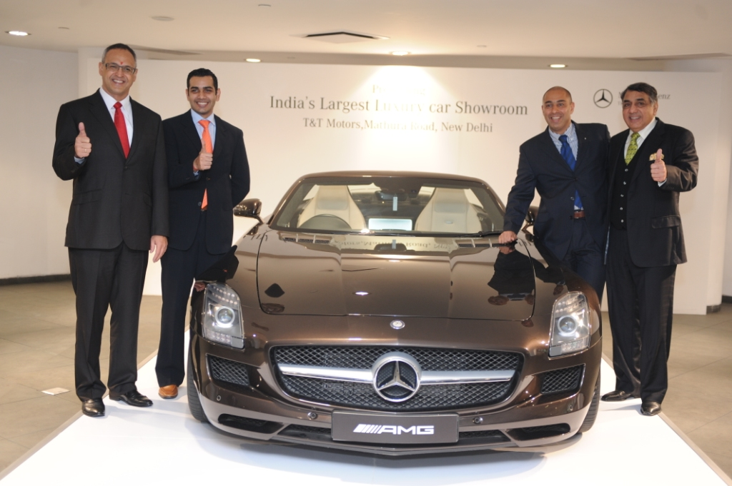 Mercedes Benz inaugurates India's largest luxury car showroom