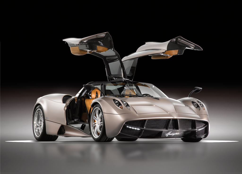 Pagani Huayra becomes the fastest road legal car on Top Gear track