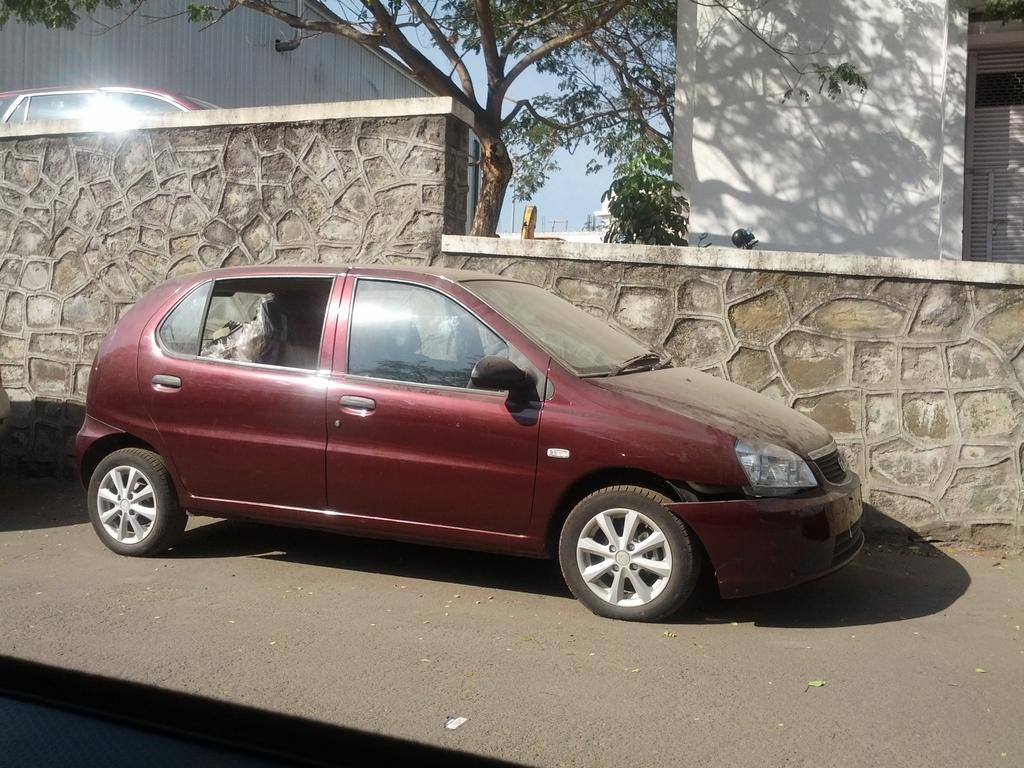 Spied: Indica XL, a hatch with three row seating?