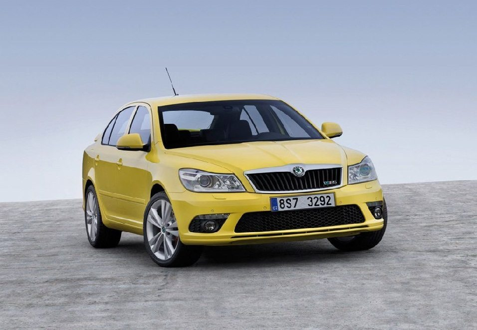 Skoda Laura 1.8 TSI Automartic Launched @ INR 15.65 lakhs