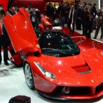 Video: This is how engine of Ferrari LaFerrari sounds like