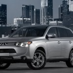 2014 Mitsubishi Outlander gets a starting price of $ 22,995 in US