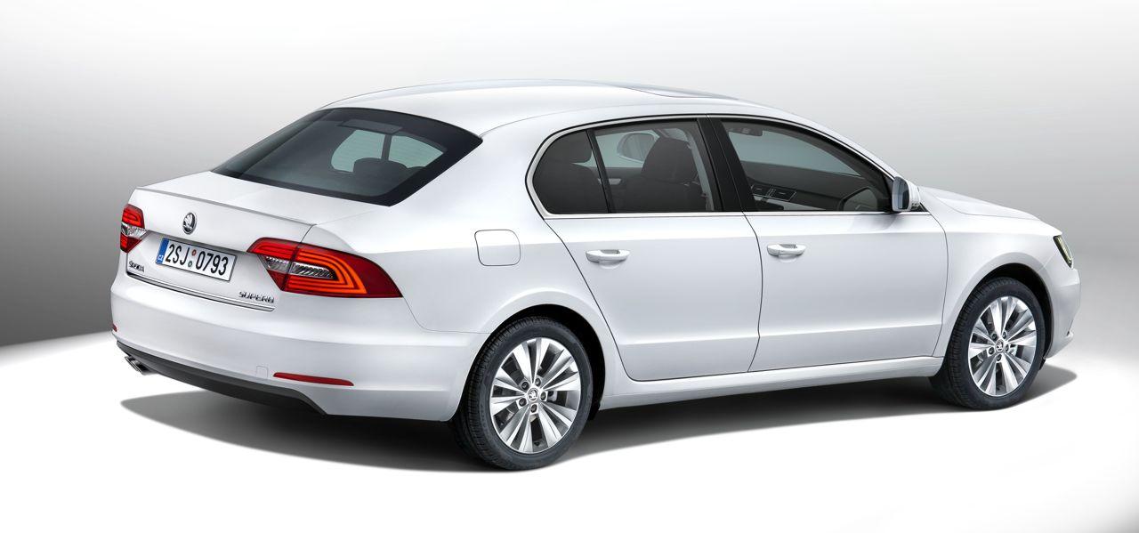 2014 Skoda Superb Facelift Revealed On The Internet Motoroids