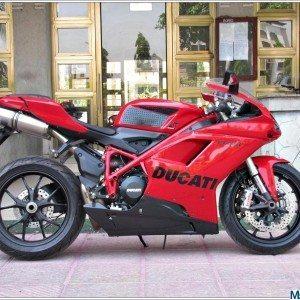 Ducati 848 Evo (13)
