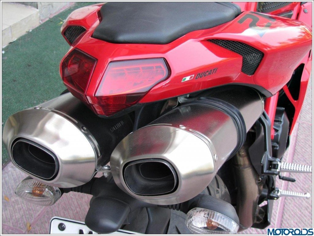 Ducati 848 Evo (15)