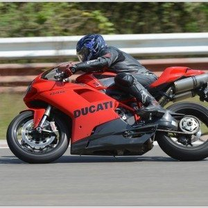 Ducati 848 Evo (2)