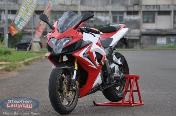 Modified Bajaj Pulsar 220 Rouser 220 2