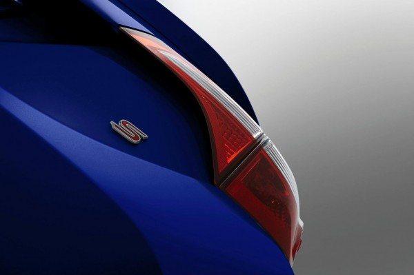 2014-Toyota-Corolla-teaser-launch-5