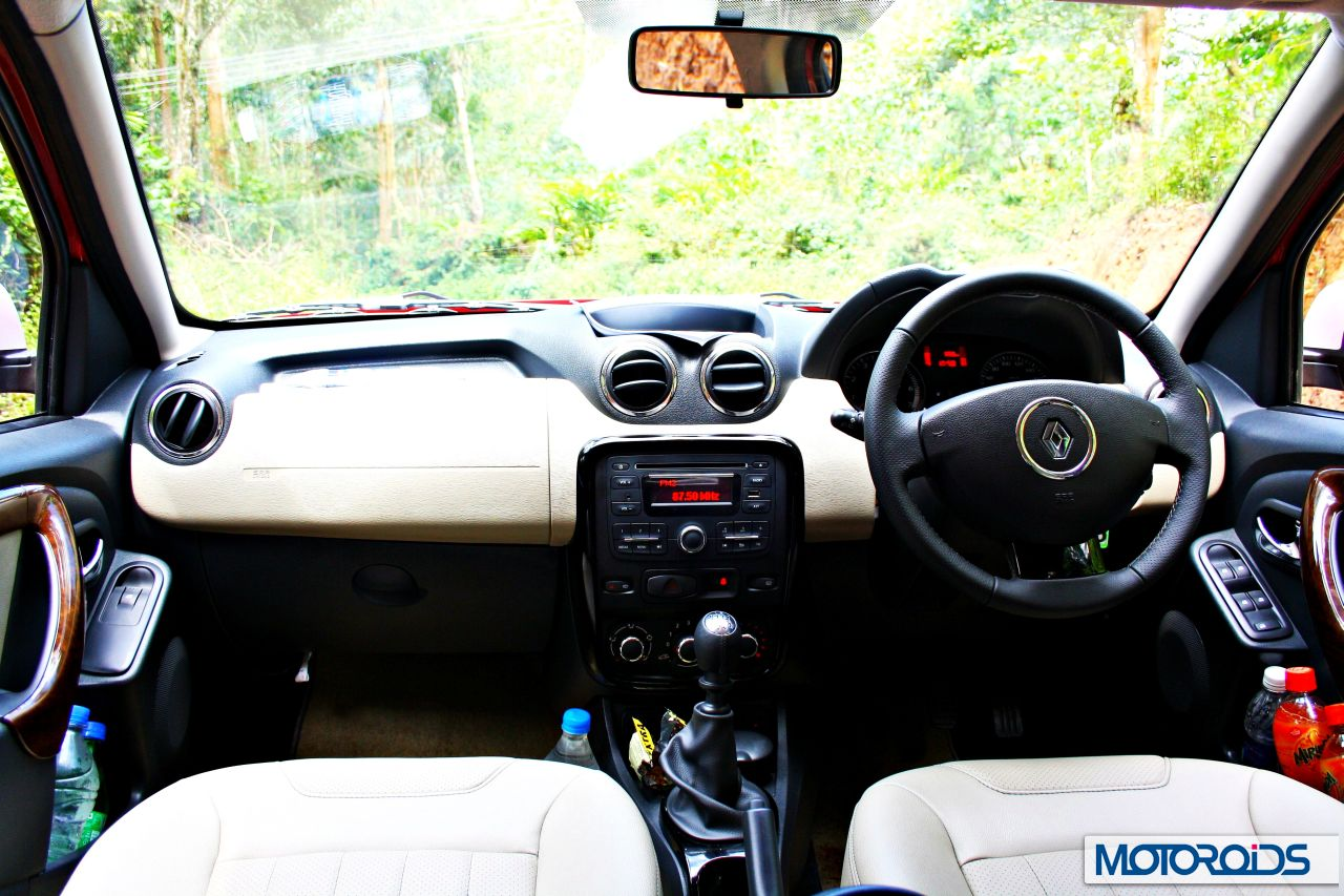 http://motoroids.com/wp-content/uploads/2013/06/Ford-Ecosport-VS-Renault-Duster-22.jpg