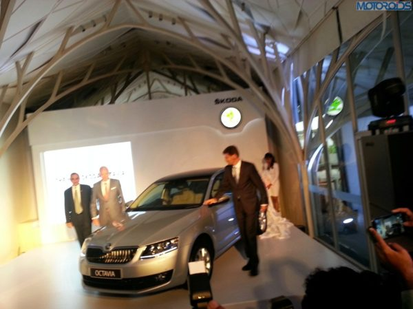 2013-Skoda-Octavia-India-launch-pics-specs-1 (4)