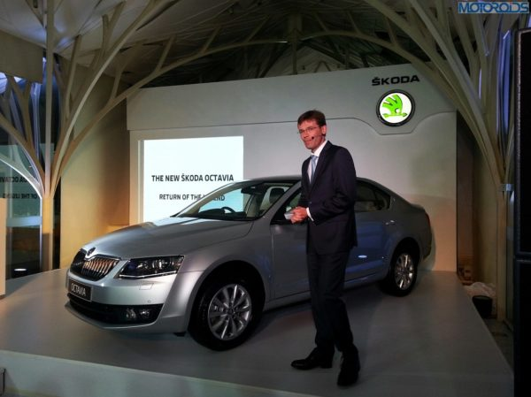 2013-Skoda-Octavia-India-launch-pics-specs-1 (7)