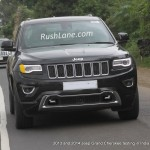 Jeep Grand Cherokee 2014 and 2013 models spotted together in India