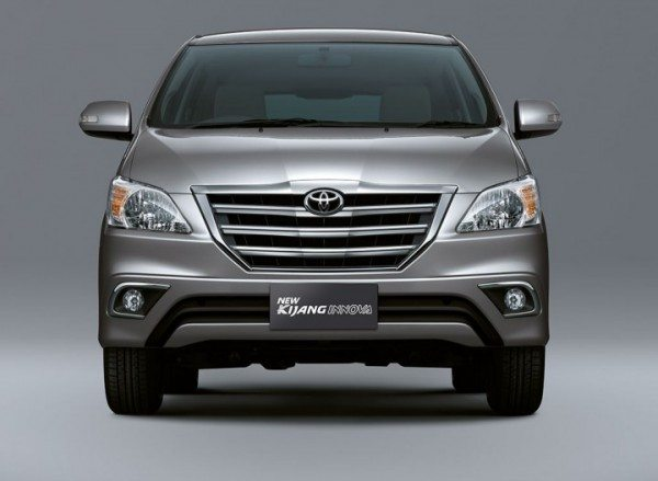 Toyota Innova Facelift to be launched soon in India